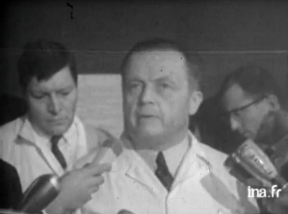 """""""Greffe du coeur à Paris"""" - Conférence de presse le 29 avril 1968. [INA]"""