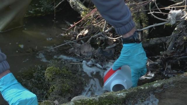 Garde-pêche et pollution [RTS]