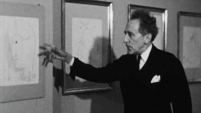 Jean Cocteau présente ses dessins en 1958. [TSR]