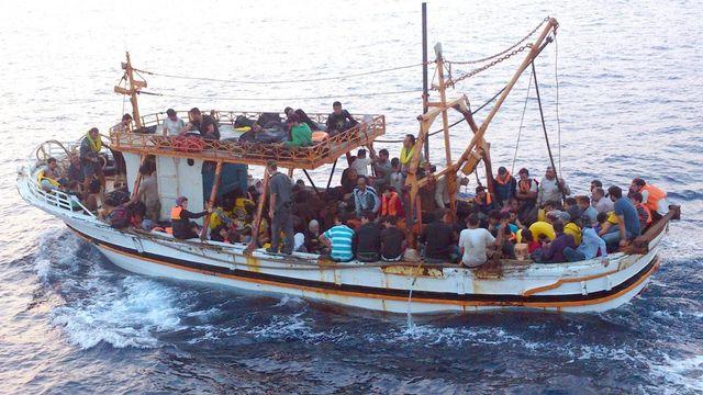 Les flux migratoires convergent de plus en plus par l'Italie. [Guardia di finanzia - EPA/Keystone]