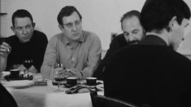 Alexandre Voisard et Jean Cuttat, entre autres poètes jurassiens en 1968. [RTS]