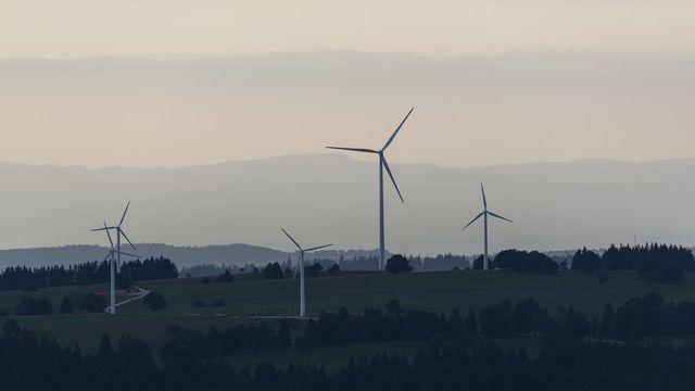 Les Services industriels sont soupçonnés d'avoir géré de manière hasardeuse des projets éoliens. [Christian Beutler - Keystone]