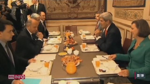 """Les """"Amis de la Syrie"""" tentent de convaincre l'opposition syrienne de participer à Genève 2 [RTS]"""
