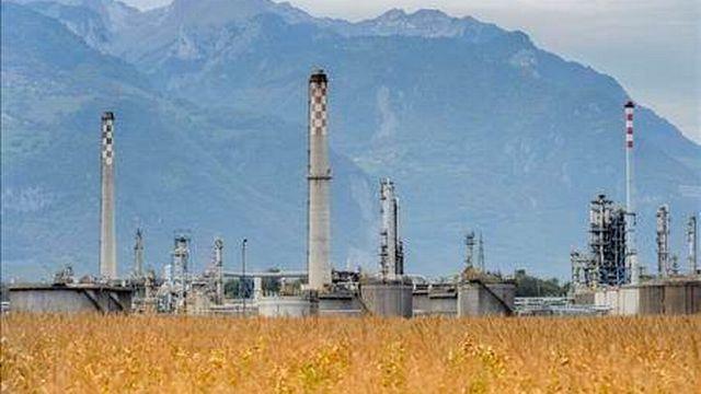 Les installations de la raffinerie Tamoil à Collombey devaient être mises en conformité. [Keystone]