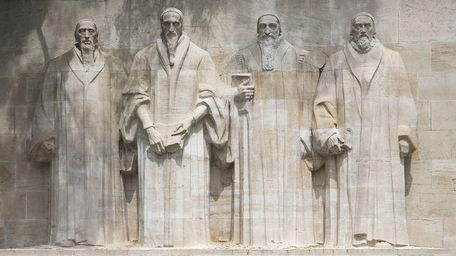 Guillaume Farel, Jean Calvin, Théodore de Bèze et John Knox sur le mur des réformateurs à Genève. Shadow69 Fotolia [Shadow69 - Fotolia]