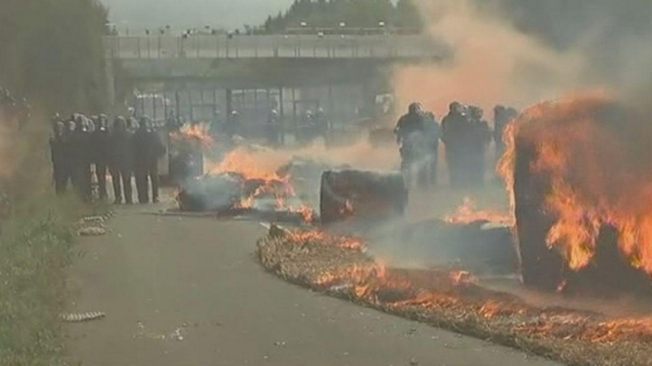 La colère des Bretons contre l'ecotaxe en France [RTS]
