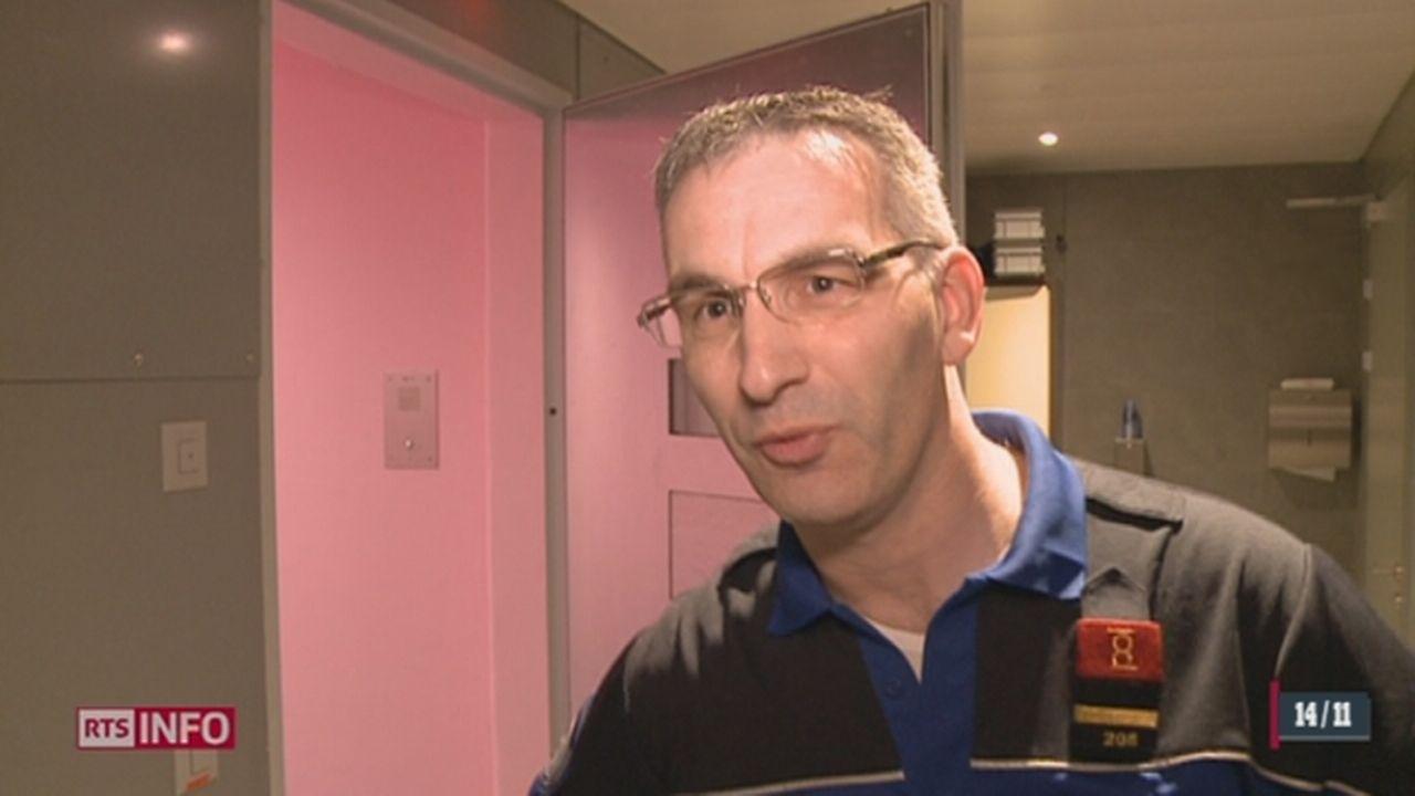 Des cellules de prison ont été peintes en rose pour calmer les détenus [RTS]