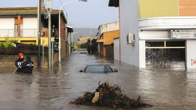 Les inondations en Sardaigne ont particulièrement touché le nord-est de l'île. Ici, Uras. [AP Photo/Alessandra Chergia - Keystone]