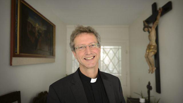 Alain de Raemy, le nouvel évêque auxiliaire du diocèse de Lausanne, Genève et Fribourg. [Laurent Gillieron - Keystone]