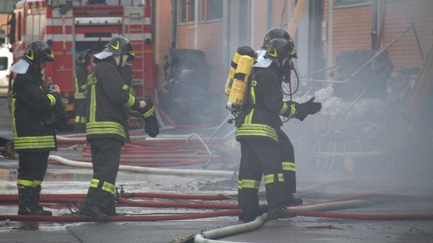 un incendie dans une usine de textile fait sept morts en italie monde. Black Bedroom Furniture Sets. Home Design Ideas