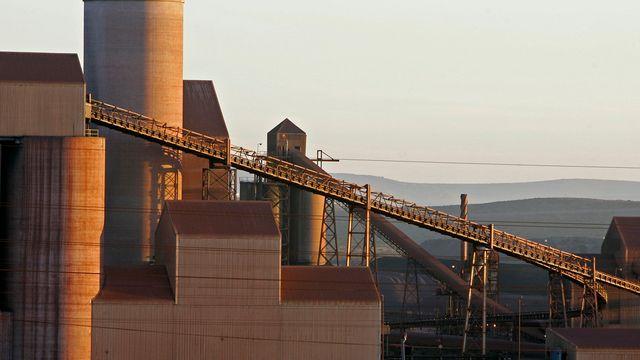 L'une des plus grandes compagnies de production d'acier sud-africaine à Saldanha bay (ouest). [AP Photo/Schalk van Zuydam - Keystone]