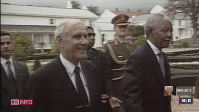 Malgré le soutien de la Confédération au régime d'Apartheid, Mandela n'en a jamais tenu rigueur à la Suisse [RTS]