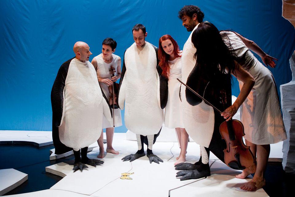 Un voyage avec trois pingouins. [Pénélope Henriod]