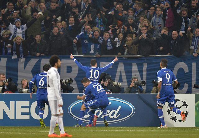 Draxler ouvre le score pour Schalke et plonge les Bâlois en plein désarroi. [Martin Meissner  - Keystone]