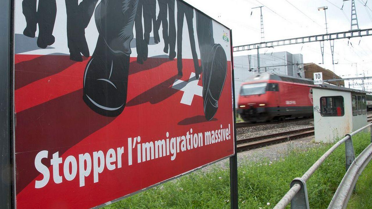 """Un """"oui"""" à l'initiative UDC le 9 février 2014 mettrait en péril la compétitivité suisse, selon une majorité d'entreprises. [Dominic Favre - Keystone]"""