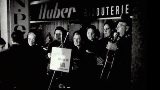 L'Armée du Salut récolte des dons pour Noël en 1965. [TSR]