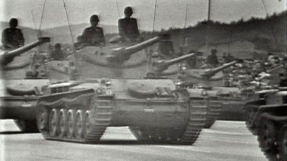 Grand défilé militaire à Payerne en 1959 [RTS]