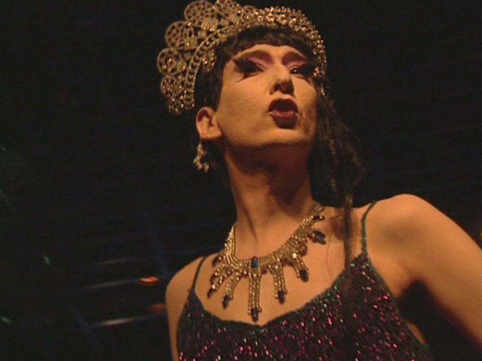 Greta Gratos, reine des nuits alternatives genevoises. [RTS]