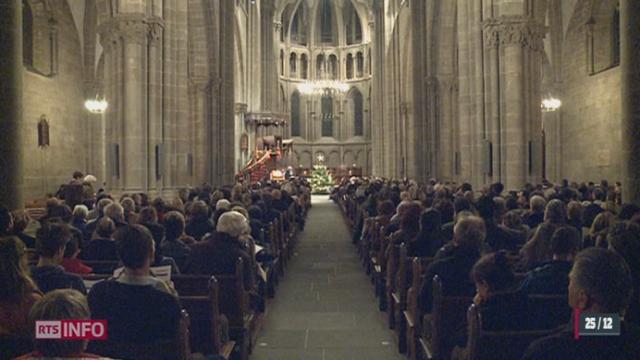 GE: 800 personnes se sont rendues à la cathédrale Saint-Pierre pour assister au culte de Noël [RTS]