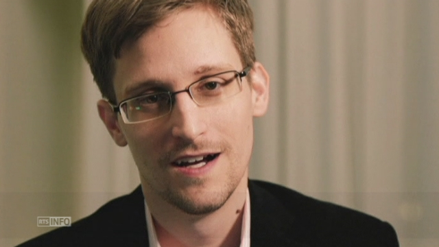 Le message de Noël d'Edward Snowden [RTS]