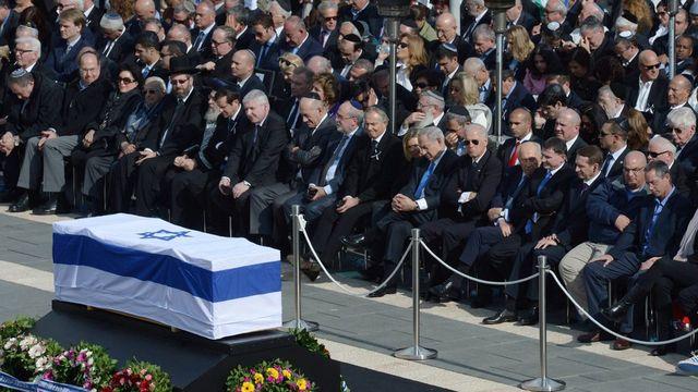 L'enterrement d'Ariel Sharon se déroule en ce lundi. [Ben Gershom - EPA/GPO/Keystone]