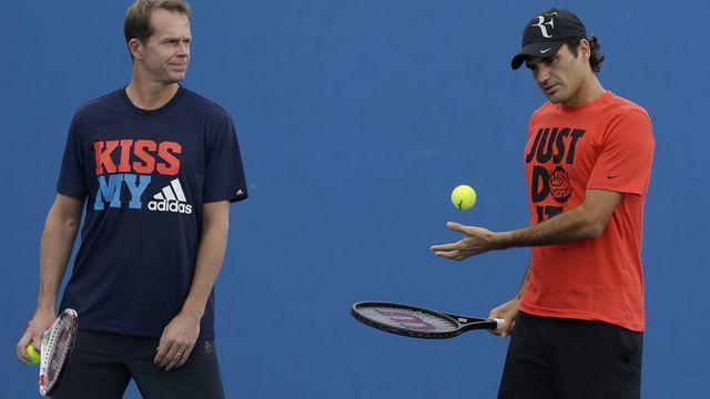 Roger Federer à l'entraînement avec Stefan Edberg, Melbourne le 15 janvier 2014. [Mark Baker - Keystone]