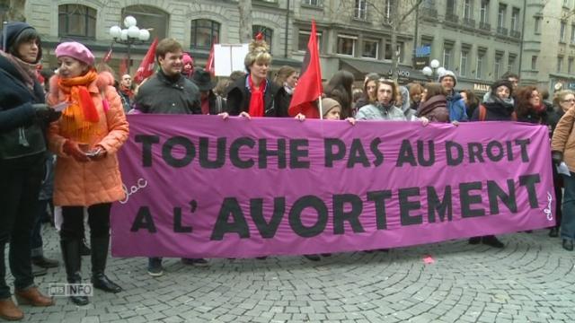 Manifestation en défense de l'IVG libre et gratuit [RTS]