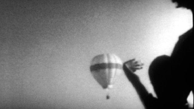 Un voyage en montgolfière. [RTS]