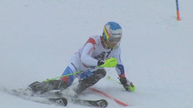 Slalom messieurs, 1re manche: Luca Aerni réalise une super performance [RTS]
