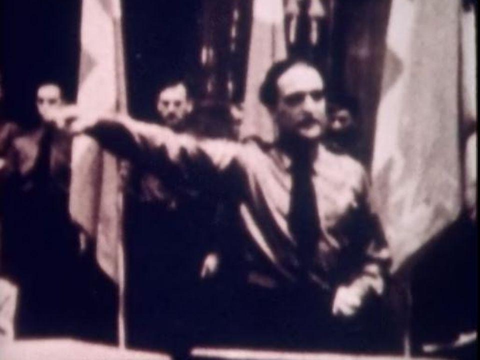 Le chef d'extrême-droite Georges Oltramare lors d'un discours au Victoria Hall à Genève. [RTS]