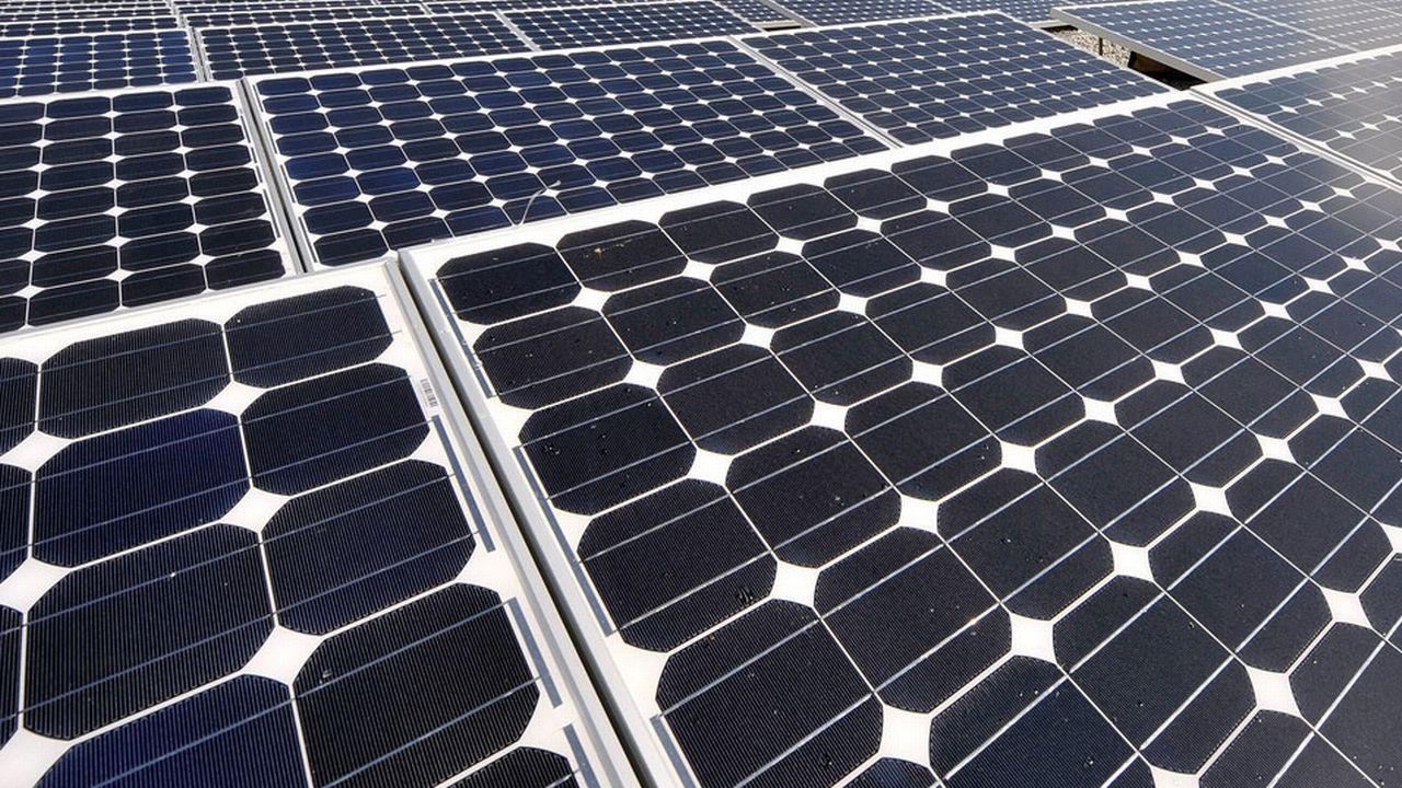 Les panneaux solaires fonctionneraient mieux lorsqu'ils sont soumis à des vibrations de musique pop. [Dominic Favre - Keystone]