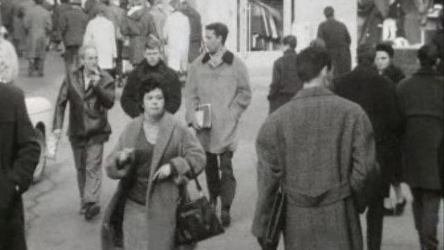 Scène de rue en 1964. [RTS]