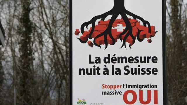 L'initiative de l'UDC contre l'immigration de masse serait acceptée par le peuple suisse. [Martial Trezzini - Keystone]
