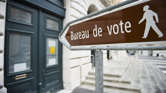Le canton de Neuchâtel n'introduira pas le droit de vote à 16 ans. [Jean-Christophe Bot - Keystone]