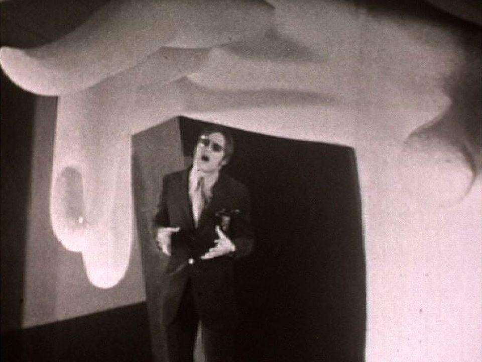 Décor pré-psychédélique pour ce Rendez-vous au Bowling de 1966. [RTS]