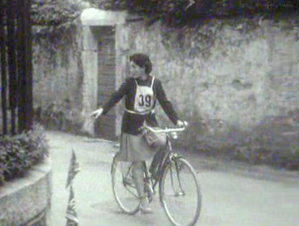 Le permis de vélo - Carrefour, 18 mai 1962. [RTS]