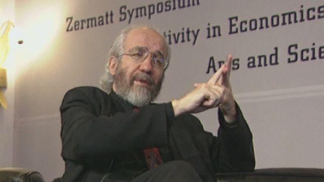 Symposium sur la créativité à Zermatt avec Gottlieb Guntern en 1993. [RTS]