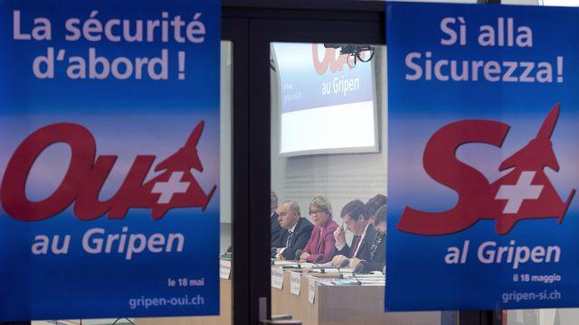 Début de la campagne des partisans de l'achat du Gripen. [Lukas Lehmann]