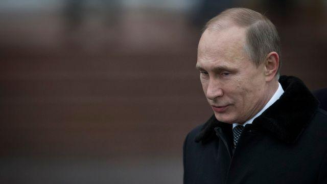 Vladimir Poutine a reçu samedi l'autorisation de son Sénat de recourir à l'armée russe en Ukraine. [AP Photo/Alexander Zemlianichenko - Keystone]