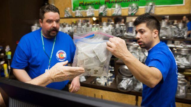 Le cannabis est légalisé en petites quantités dans le Colorado depuis le 1er janvier. [Theo Stroomer/Getty Images - AFP]