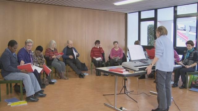 La musique comme thérapie pour lutter contre l'aphasie (perte de la parole) ou la maladie d'Alzheimer [RTS]