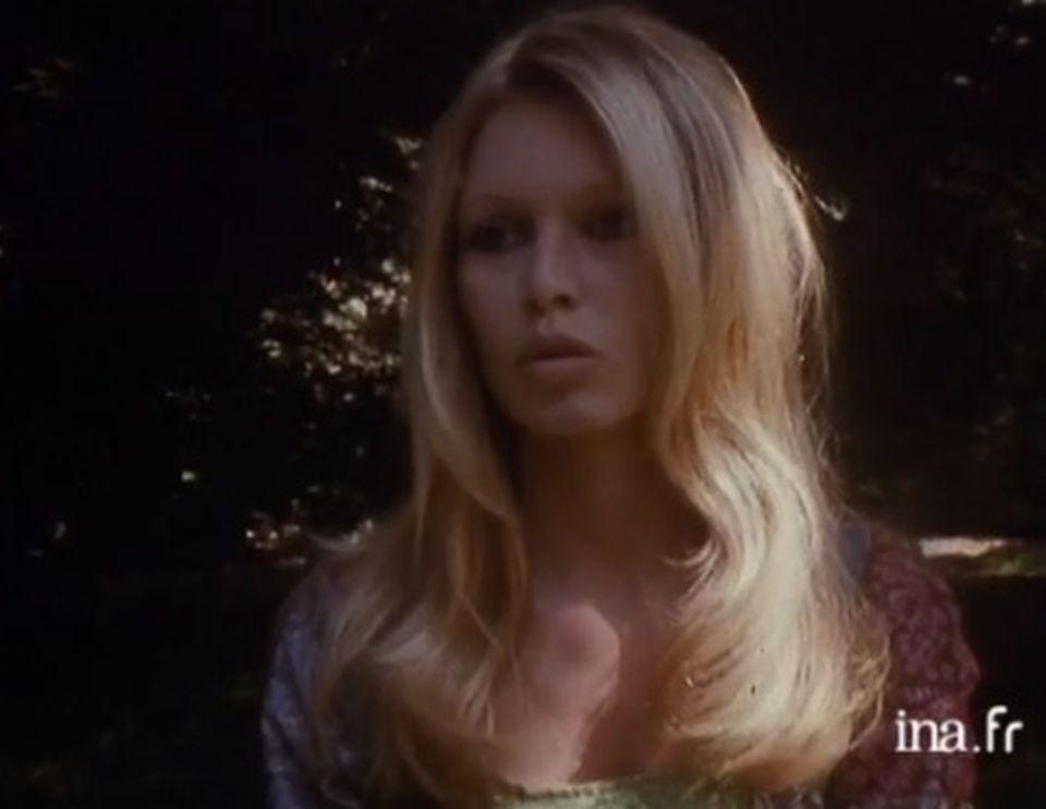 Brigitte Bardot à propos des paparazzi - 29 mai 1970. [INA]