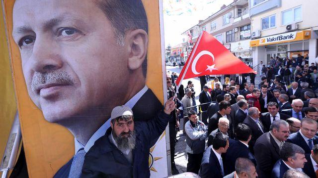 Meeting des partisans du Premier ministre Erdogan à Beysehir. [Adem Altan - AFP]