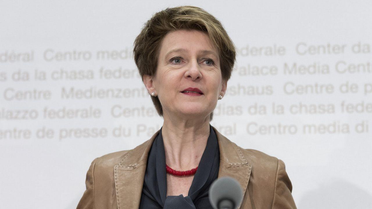Cette réforme assurera une procédure rapide et équitable aux requérants, a assuré la ministre Simonetta Sommaruga. [Lukas Lehmann - Keystone]