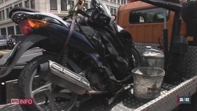 Le scooter connaît un succès croissant à Genève [RTS]