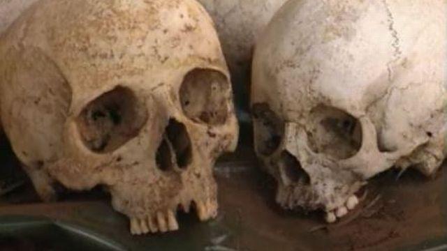 Crânes de victimes du génocide au Rwanda. [RTS]