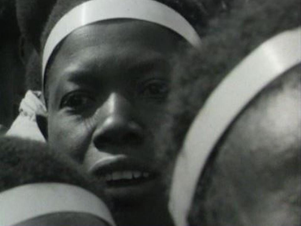 Femme rwandaise filmée par la TSR en 1966. [RTS]