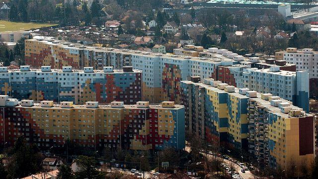 Vue aérienne du complexe des Avanchets à Genève. [Martial Trezzini]