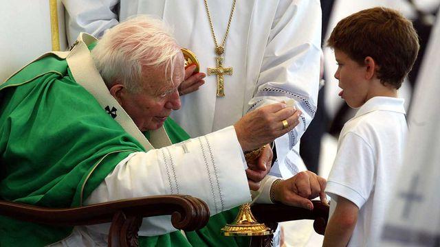 Le pape Jean-Paul II avait également un côté progressiste, notamment en matière de justice sociale. [Reuters]