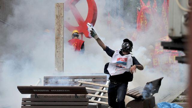 Les contestataires étaient pour l'essentiel des militants du principal parti d'opposition ou de l'extrême-gauche. [Onur Coban - Anadolu Agency/AFP]